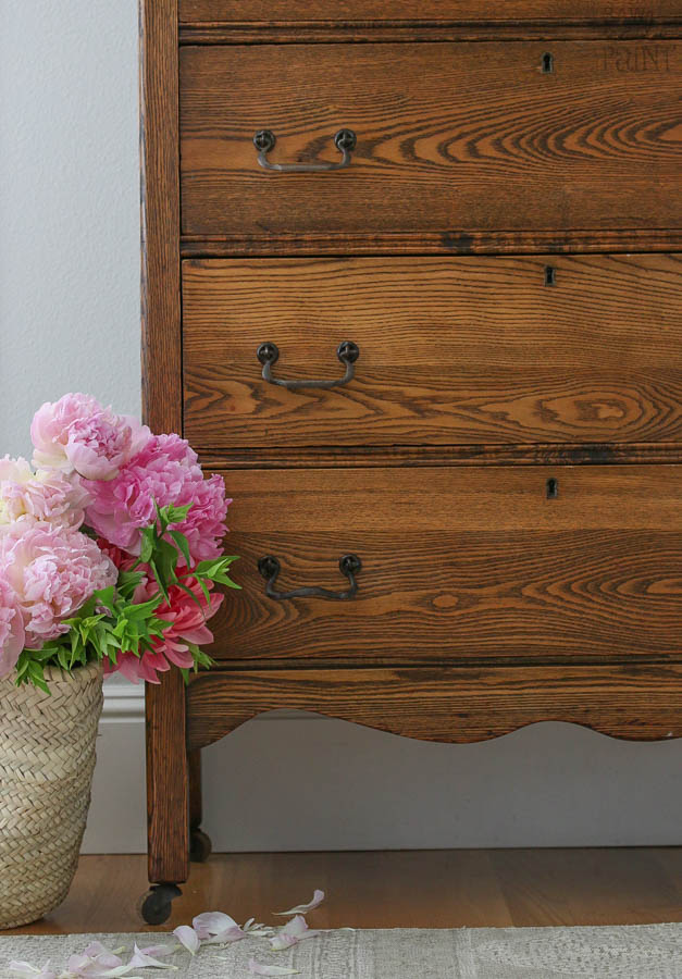 Antique Oak 5 Drawer Dresser With