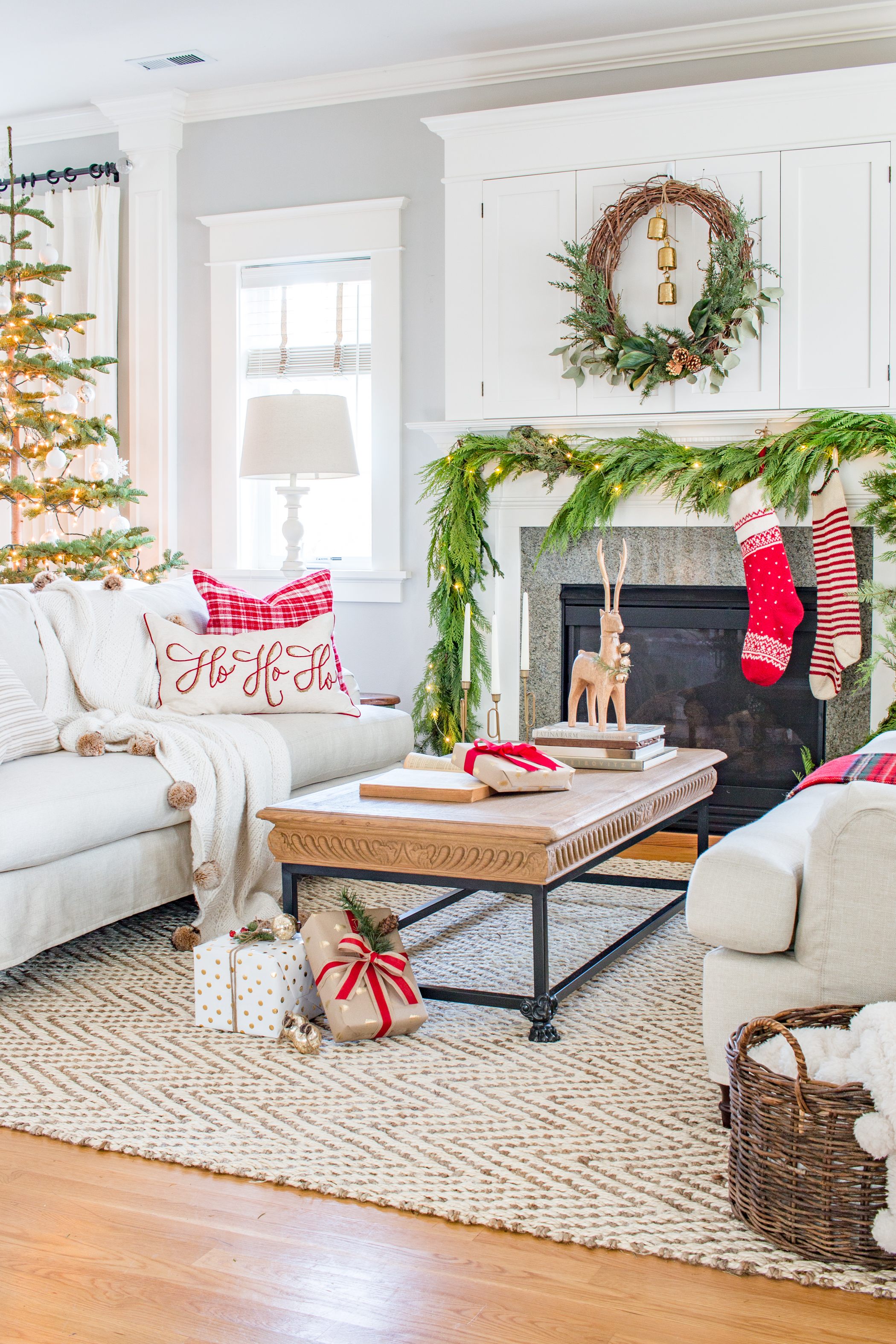 Traditional Christmas Living Room Tour 2017 Saw Nail And Paint
