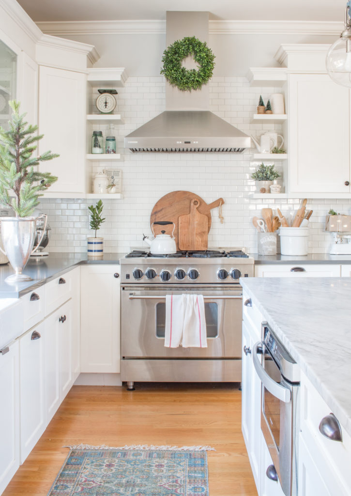 10 Kitchen And Home Decor Items Every 20 Something Needs: Simple White Christmas Kitchen